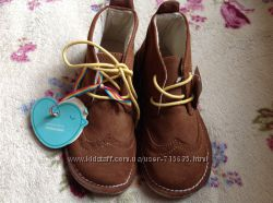 Ботинки Mothercare 29 размер стелька 18 см . Новые