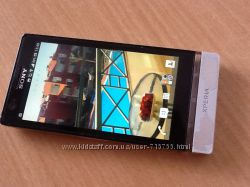 Телефон смартфон Sony Xperia P silver и Apple iPhone 16 gb