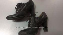 Кожаные черные туфли 38 р. Цена снижена.