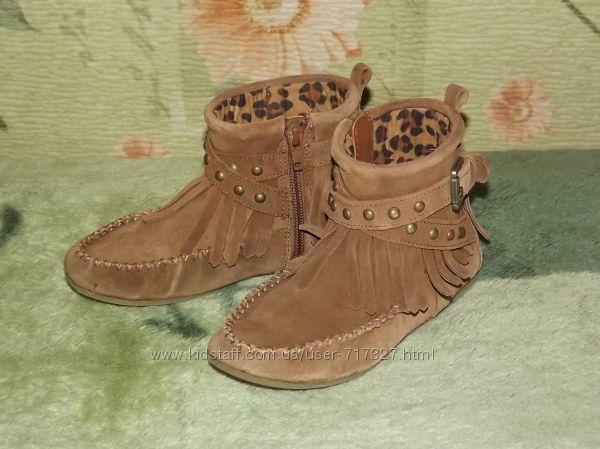 Замшевые ботиночки, полу-сапожки фирмы Next, р 11, стелька 18 см