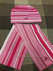 Шапки и шарф Adidas на 12 - 18 месяцев.