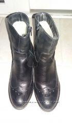 Ботинки полусапожки 36 размер черные нат. кожа внутри нат шерсть