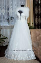 сукня для тендітної нареченої