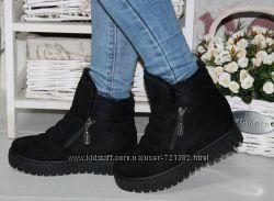 Женские зимние ботинки 2 молнии замшевые на меху черные