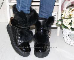 Очаровательные женские зимние ботинки с натуральной опушкой из кролика черн