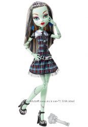 Легендарна Велика Monster High Френкі Штейн з серії Лякаюче Високі Монстри