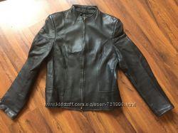Продам женскую кожаную курточку бу в хорошем состоянии