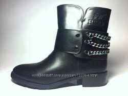 Женские демисезонные ботинки Hermes и Moschino