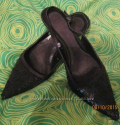 Туфли -лодочки в пайетках 38 размера