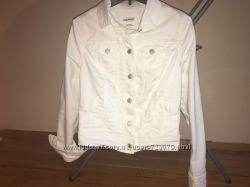 Продам женскую джинсовую куртку Old Navy практически новую