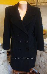 пальто черное с серой ниткой 100 шерсть Италия Размер М Новое