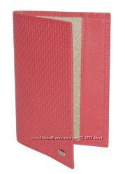 Обложка на паспорт, натуральная кожа, бренд Petek. Оригинал