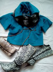 дизайнерское пальтишко на весну бирюзового цвета
