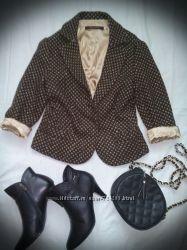фирменная одежда и кожаная обувь