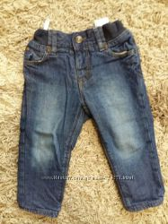 Стильные джинсы на мальчика от H&M размер 809-12 мес