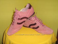 Замшевые кроссовки Bata
