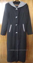 Красивое пальто с капюшоном