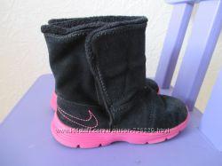 Замшевые сапожки угги Nike для девочки 26 р