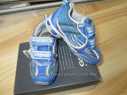 Кросовки Geox з мигалками 22 розмір