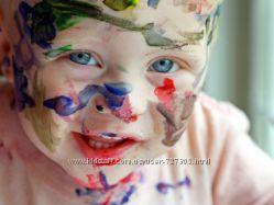 Декоративня косметика - безопасна даже для ребенка