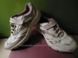 Продам кроссы CLARKS