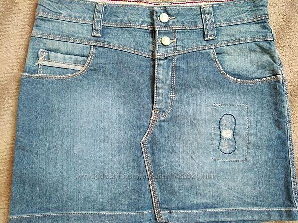 Фирменная юбочка Levis, оригинал. в отличном состоянии, 13-15 лет