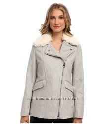Очень красивое пальто Calvin Klein оригинал