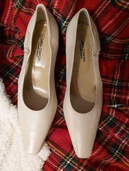 Туфли Linea Confort, Италия - новые, натур кожа, 40р, 26см