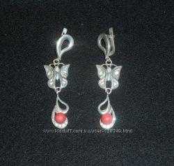 Серьги серебро 925п бабочки коралл