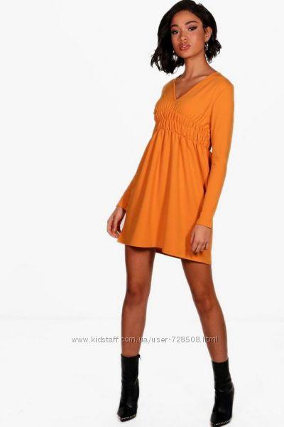 Boohoo. Товар из Англии. Платье в популярном фасоне смок.