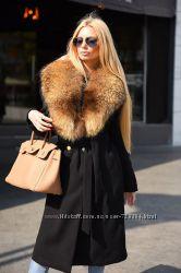 Утепленное зимнее пальто с натуральным мехом