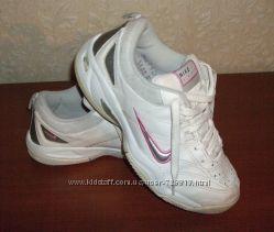 Кожанные кроссовки Nike р. 39-40