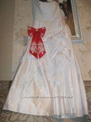 Свадебное платье кольца и кожаные туфли 36 размер