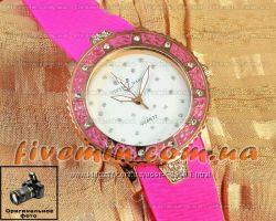 Женские часики Ulysse Nardin Lady Diver Pink у нас очень много разных часов