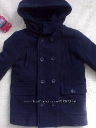 Классное пальто дорогой Испанской фирмы Mayoral, на рост 110-116 см, 5-6 ле