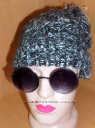 Модный аксессуар C&AВязаная шапочка стильняша