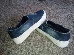 Женские слипоны синий джинс.
