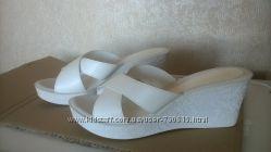 Шлепанцы белые, новые, 26 см длина стельки