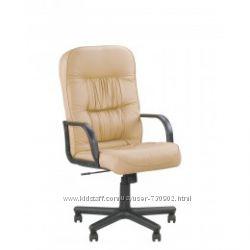 кресло для руководителя TANTAL С механизмом качания