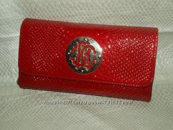 Красные кошельки по распродаже