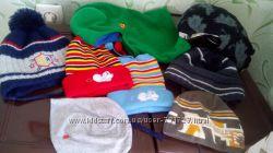много разных шапочек на 1-3годика