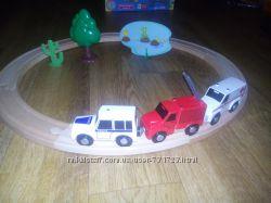 Деревянная дорога с машинами на магнитах