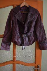 Кожаная новая куртка цвета бордо размер М