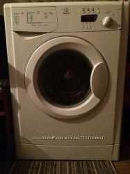 Продам стиральную машину  Indesit на 5 кг