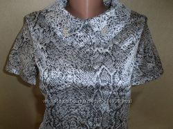 Стильное платье-трапеция питон