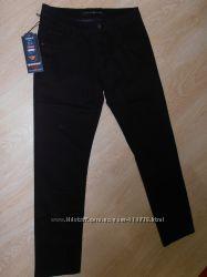 Демисезонные мужские джинсы Varxdar classic