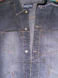 Мужская, стильная джинсовая куртка в отличном состоянии