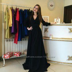 Шикарное длинное платье с рукавами и красивым декольте много цветов