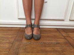 Классные фирменные  туфли,