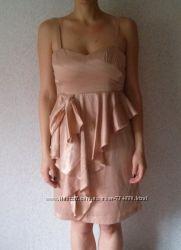 Стильное вечернее бежевое атласное платье VILA р. M состояние идеально